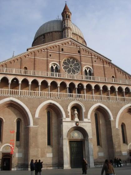 Photo:サンタントニオ聖堂