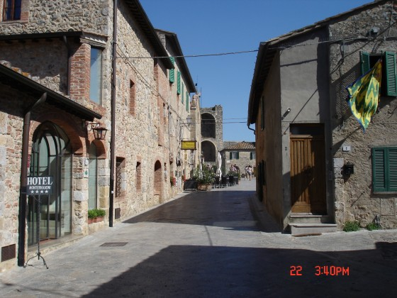 Photo:モンテリッジョーニの街並み