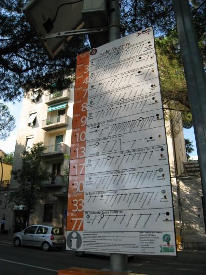 Photo:坂の途中のバス停