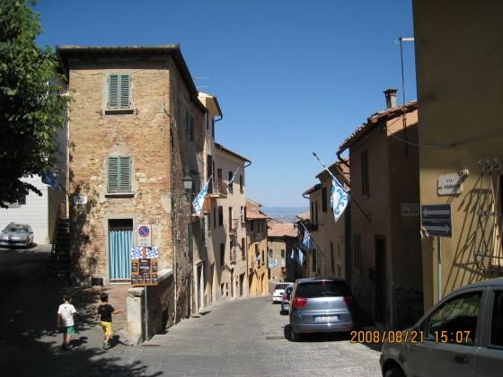 Photo:モンテプルチャーノの路地